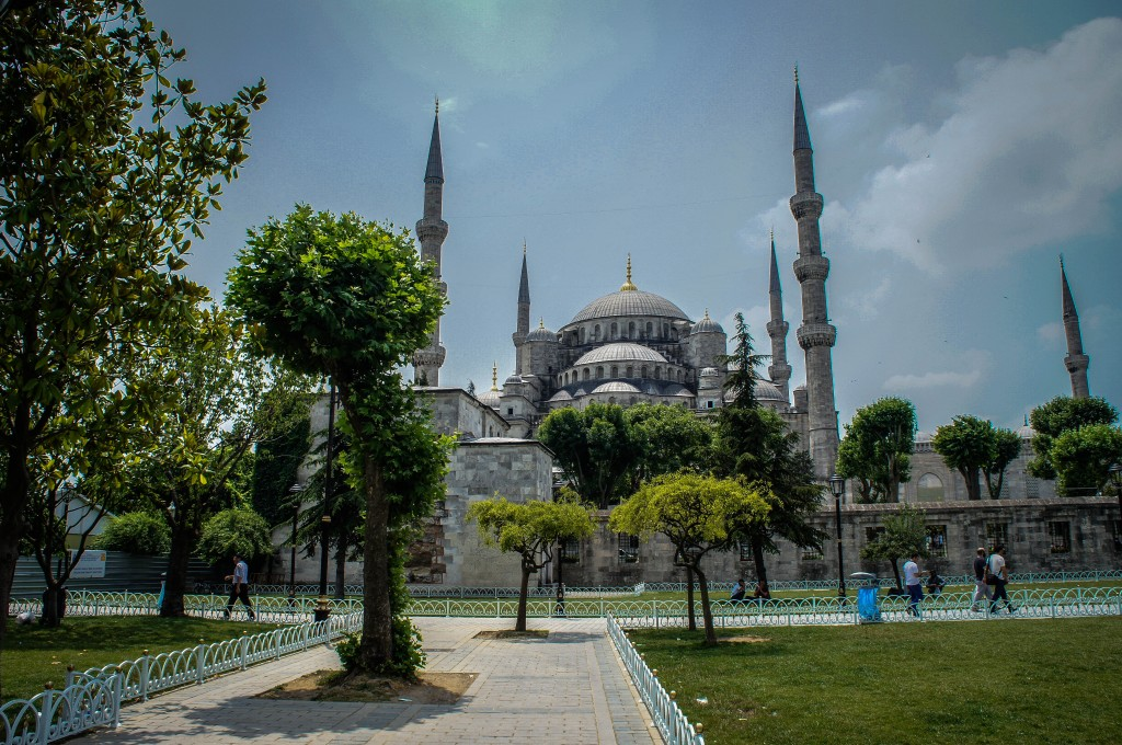 The Blue Mosque famously has six minarets