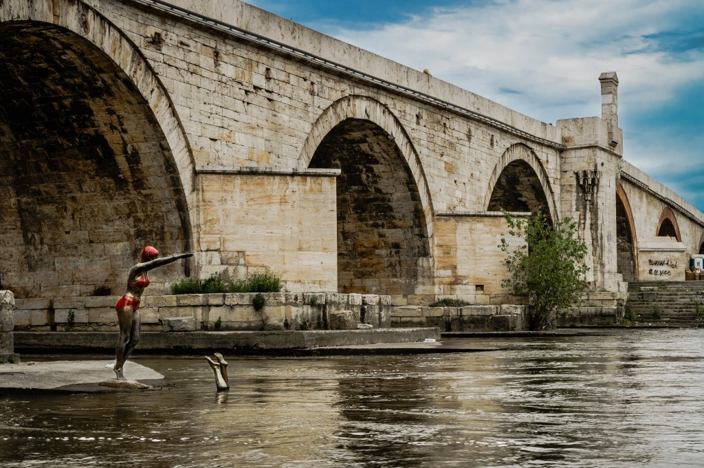 Swimmers diving in the river: my favourite Skopje sculpture