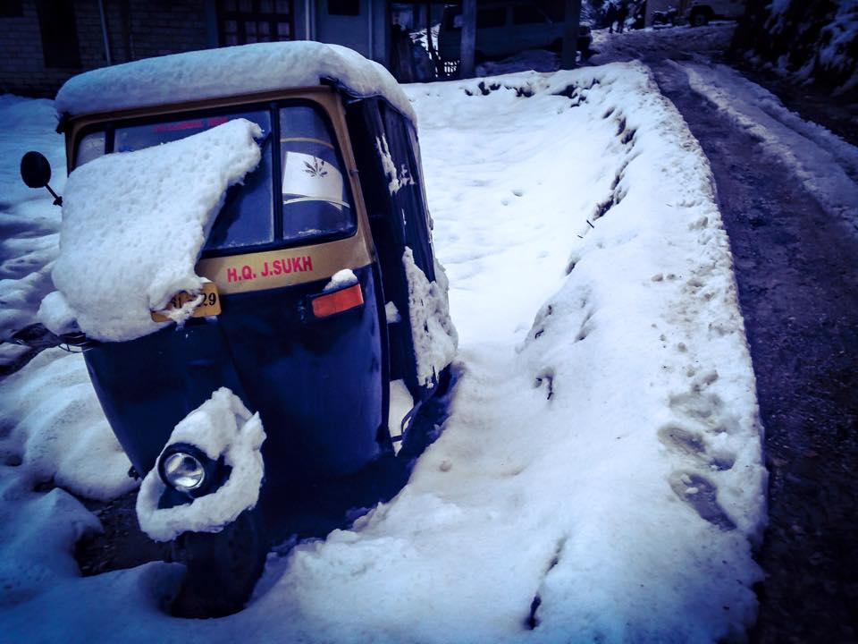 snow covered rickshaw, manali
