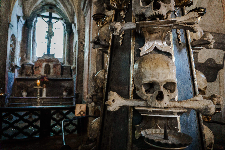 The altar, Sedlec Ossuary